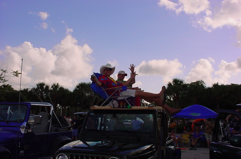 01 - Guys chillin on top of thier car