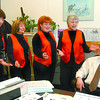 sweet adelines and lu in thursday dave milne feb 9 05 Sweet Adelines Kathy Pereira, left, Marilyn Johnson, Pam Kranz and Jill Bishop serenade Citizen advertising manager Lu Verticchio Wednesday withh a Valentine song (Valentinegram). BERNICE STORY