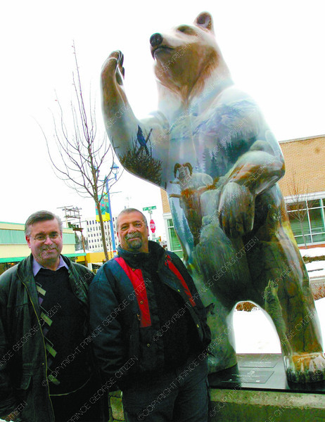 Citizen Spirit Bear3/Thursday Brent Braaten-March 8/2006  Artist Joe Ferrante and Citizen publisher Del Laverdure with the Spirit Bear sponsored by the Prince George Citizen.