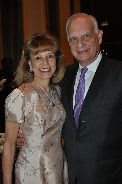 Daria L  (Board Member) and Eric J  Wallach (Gala Underwriters)_credit Linsley Lindekins