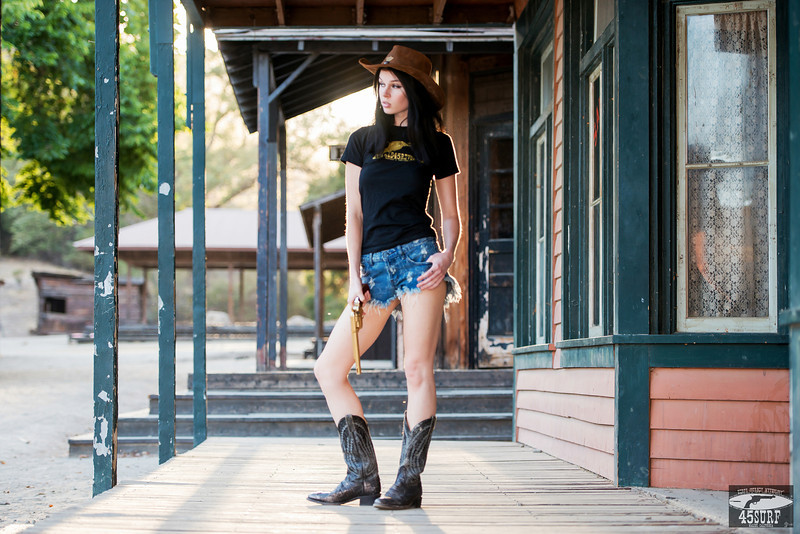 Nikon D800E Photos Cowgirl Model Goddess with Cowboy Boots, Cowboy Hat, & Gold 45 Revolver Gun!