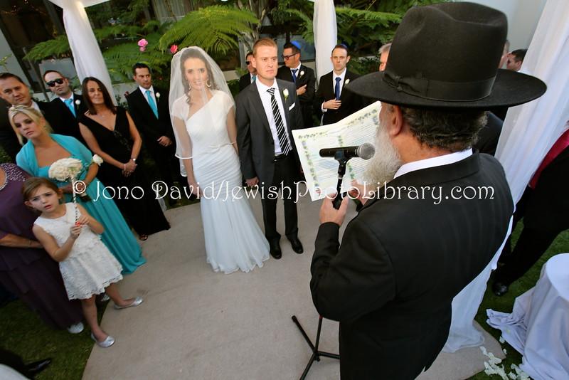 ZA 17967  Wedding, Darren Grusin and Tara Smit at Beth Din  Johannesburg, South Africa