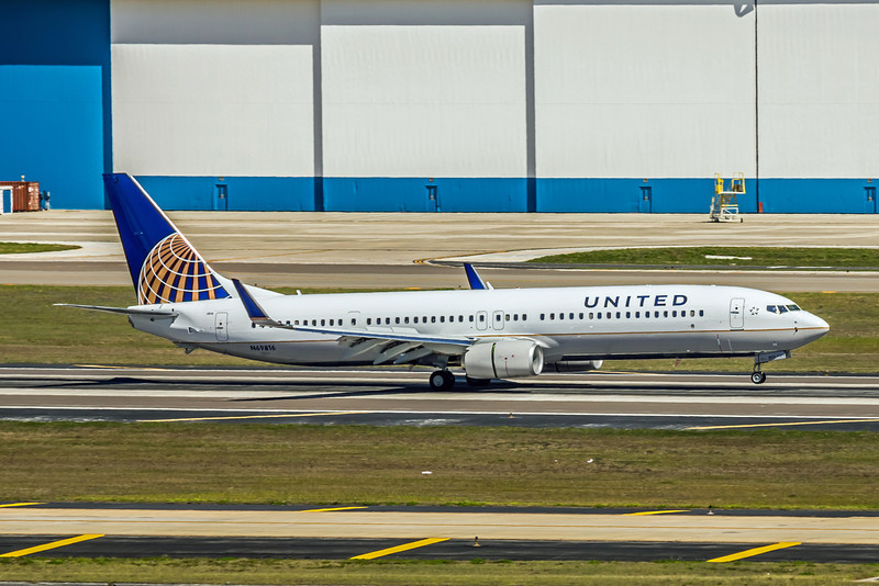 United Airlines, N69816, Boeing 737-924ER(WL), msn 42176, Photo by John A Miller, TPA, Image UA005RGJM