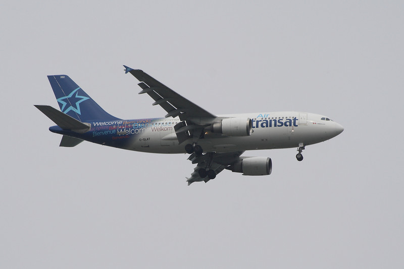 An Air Transat Airbus A310-308 (C-GLAT) on approach to Glasgow Airport