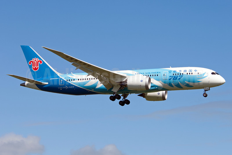 China Southern Airlines Boeing 787-8 Dreamliner B-2736 (msn 34929) AKL (Colin Hunter). Image: 920948.