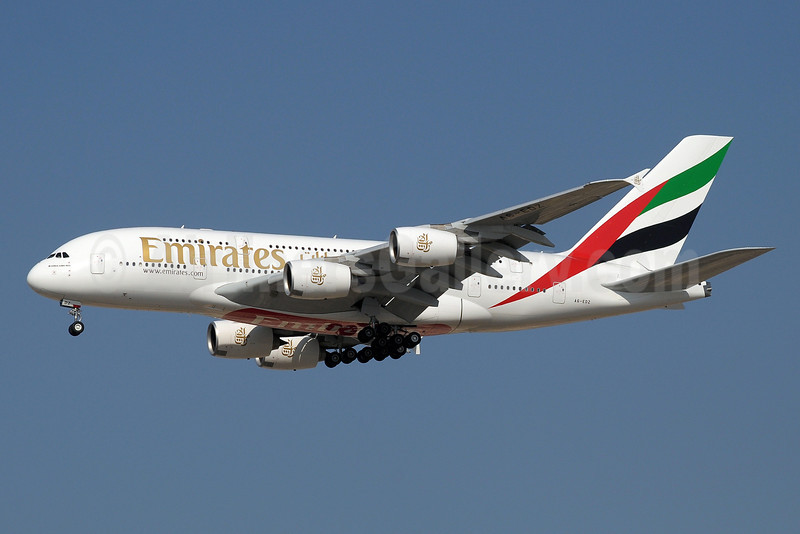 Emirates Airline Airbus A380-861 A6-EDZ (msn 107) DXB (Paul Denton). Image: 912059.