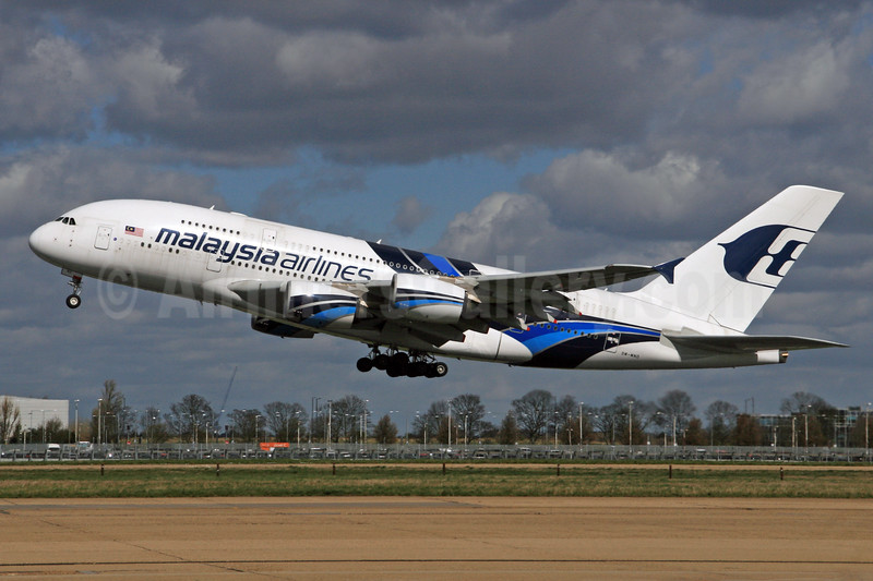 Malaysia Airlines Airbus A380-841 9M-MND (msn 089) LHR (SPA). Image: 927064.