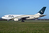 PIA-Pakistan International Airlines Airbus A310-308 AP-BEC (msn 590) AMS (Ton Jochems). Image: 912609.