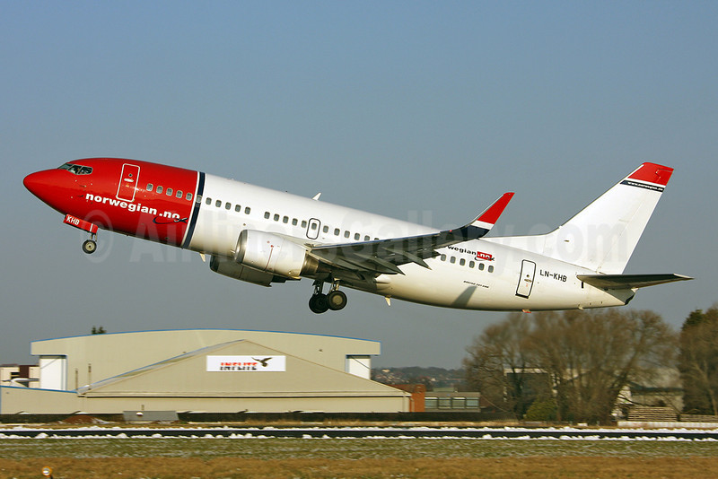 Norwegian Air Shuttle (Norwegian.no) Boeing 737-31S WL LN-KHB (msn 29264) SEN (Keith Burton). Image: 911082.