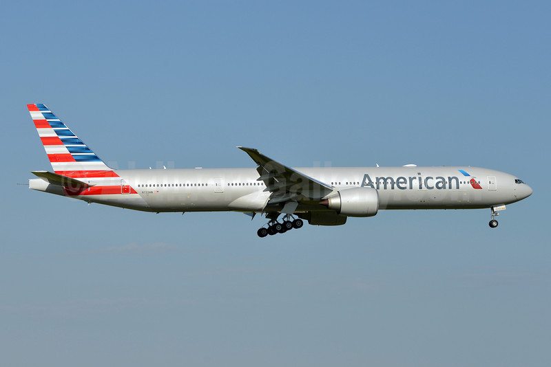 American Airlines Boeing 777-323 ER N722AN (msn 31547) DFW (Brian Peters). Image: 911911.