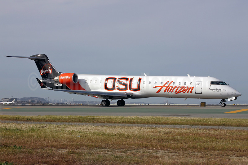 Horizon Air Bombardier CRJ700 (CL-600-2C10) N609QX (msn 10031) (Oregon State University Beavers) SFO (Mark Durbin). Image: 901527.
