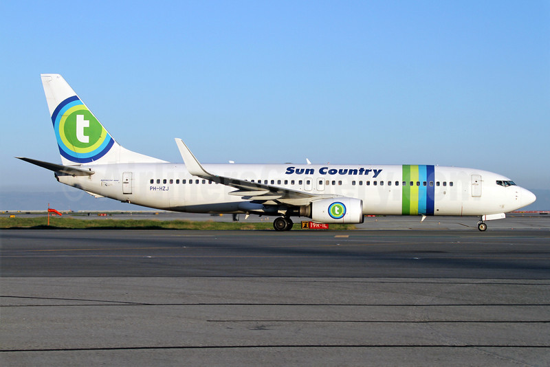 Sun Country Airlines Boeing 737-8K2 WL PH-HZJ (msn 30389) (Transavia Airlines colors) SFO (Mark Durbin). Image: 911049.