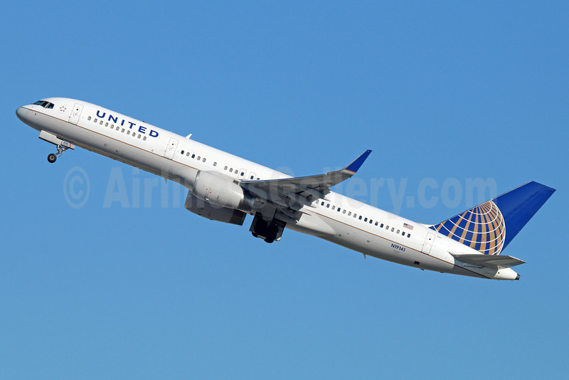 United Airlines Boeing 757-224 WL N19141 (msn 30354) LAX (Michael B. Ing). Image: 921261.
