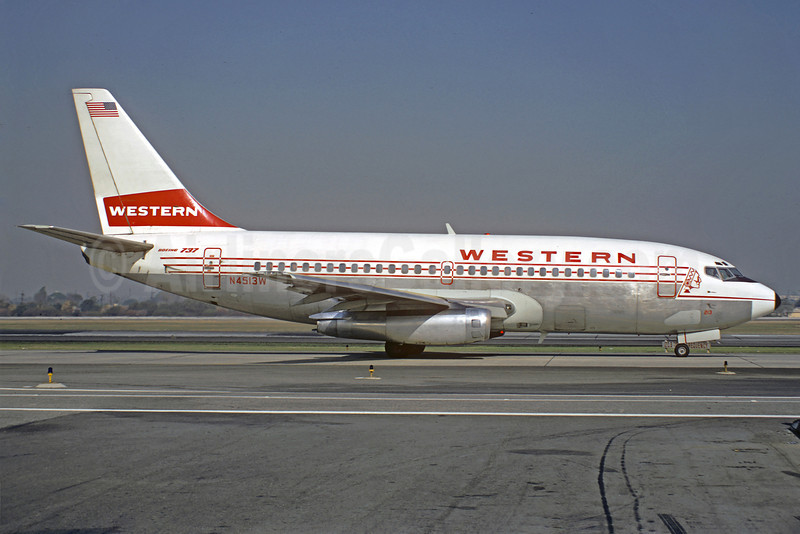 Western Airlines Boeing 737-247 N4513W (msn 19610) SFO (Jacques Guillem Collection). Image: 911393.