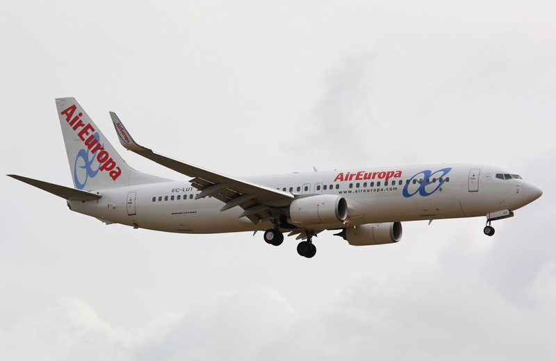 Air Europa, 737-800, EC-LUT<br /> By Correne Calow.
