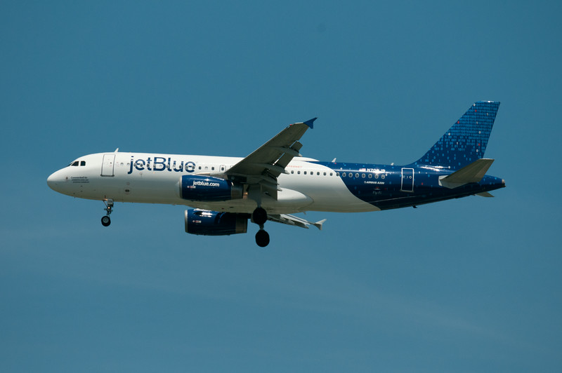 N709JB<br /> JETBLUE AIRWAYS<br /> A320-232<br /> MSN 3488