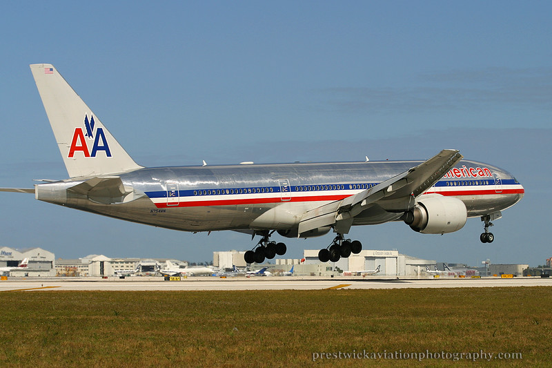 N754AN. Boeing 777-223/ER. American Airlines. Miami. 030304.