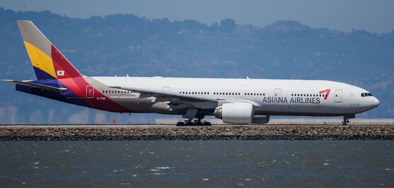 Asiana Airlines 777 at SFO