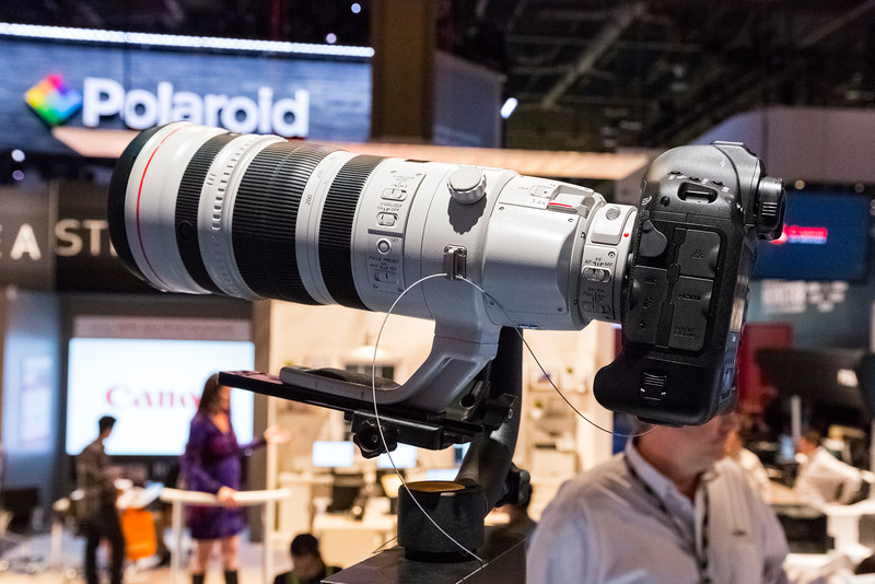 Canon EOS 1D with Canon EF 200-400mm f/4L IS USM Extender 1.4X Lens. Consumer Electronics Show (CES) 2015 - Las Vegas, NV, USA