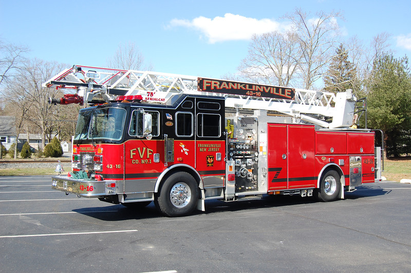 Franklinville ladder 43-16 1999  KME - Aerialcat 2000-400-75' Photo by Chris Tompkins