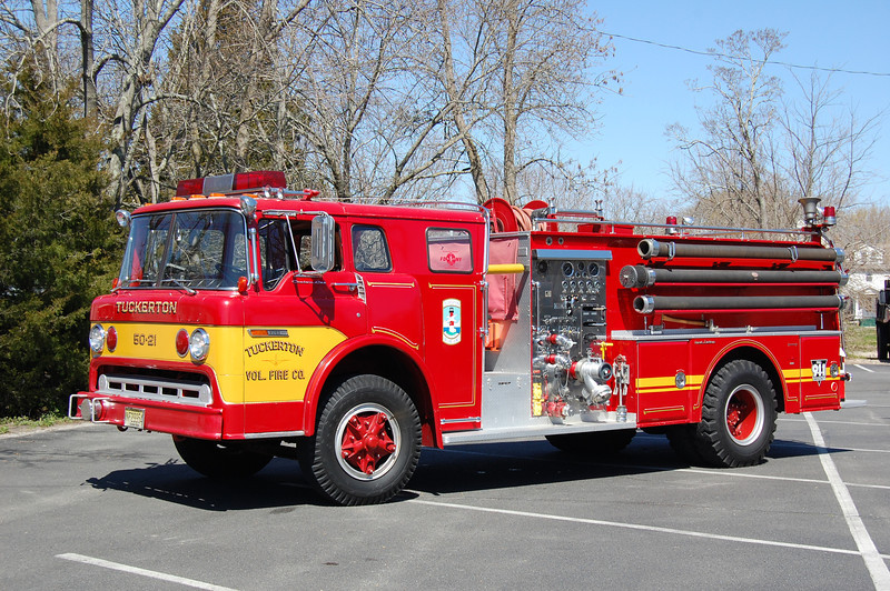 Tuckerton Engine 5021 1976 Ford8000-Great Eastern 1000-750 Ex Barneget Light Photo by Chris Tompkins