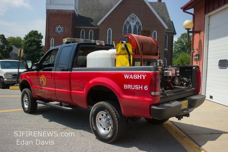 Salem City, Salem County NJ, Brush 6-4, 2005 Ford F250 4X4, 250-250 (C) Edan Davis, www sjfirenews com  (8)