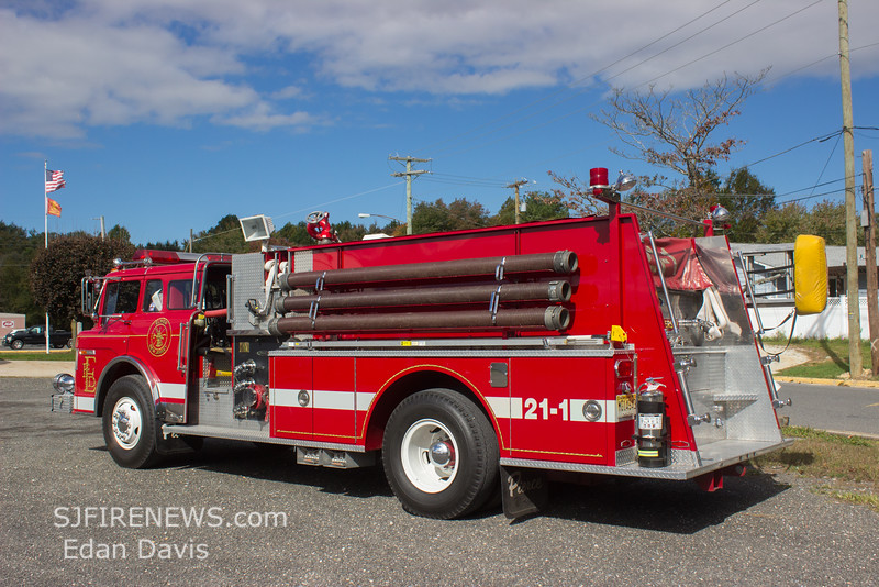 Elmer, Salem County NJ, Engine 21-1, 1986 Ford-Pierce, 1000-1000, (C) Edan Davis, www sjfirenews com  (8)