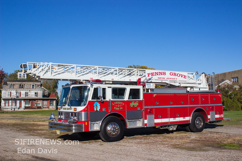 Penns Grove (Salem County NJ) Ladder 4-6, 1989 Hahn Fire Spire, 106ft RM, (C) Edan Davis, www sjfirenews com  (4)