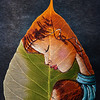 AS 067 - India, Mary with Jesus on a leaf