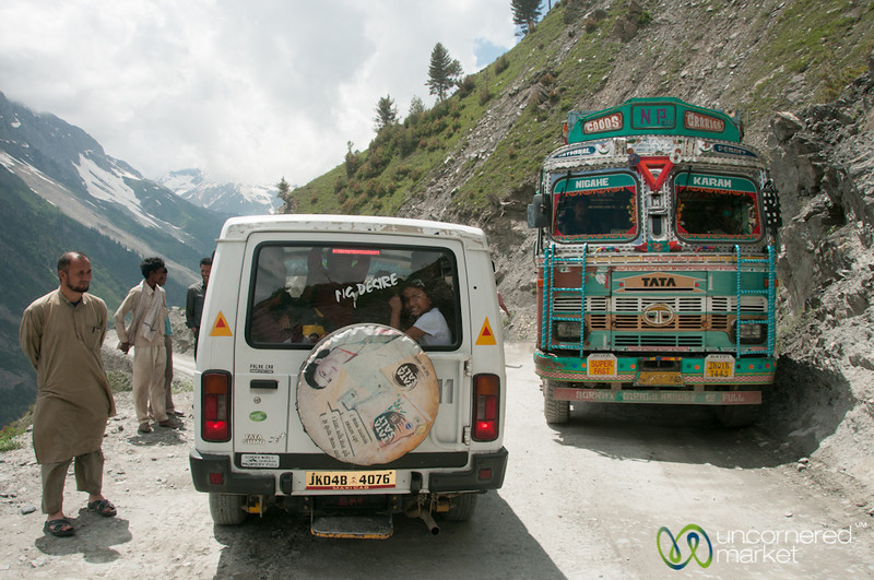 Mountain Traffic Jam, Srinagar to Leh - India