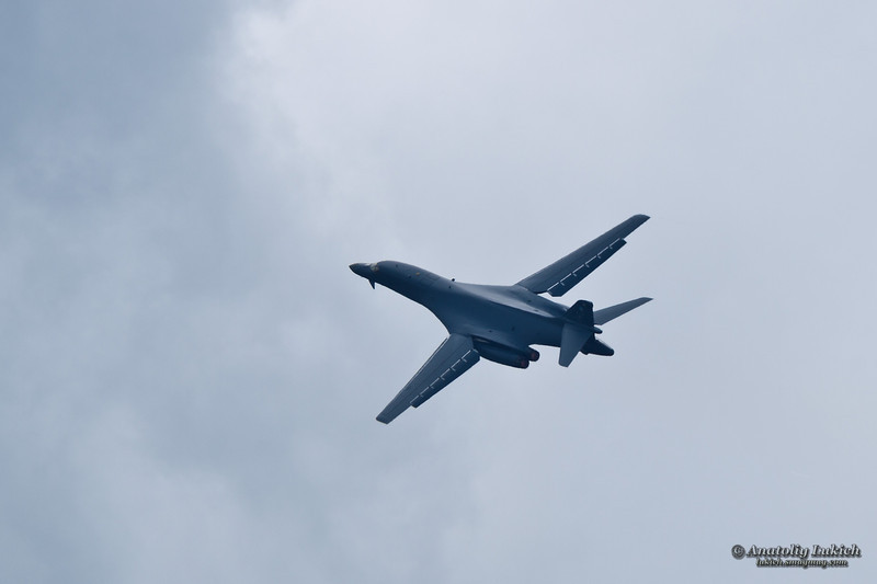 TACOMA, WA - JULY 21: B-1B Lancer flyby demonstration during Air Expo at McChord Field Joint Base Lewis-McChord on July 21, 2012 in Tacoma, WA.