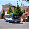 Stagecoach Gloucester Dennis Dart 32962 (N62MTG), working Gloucester Town Service 5, is about to turn right into Market Parade - 25 May 2006.