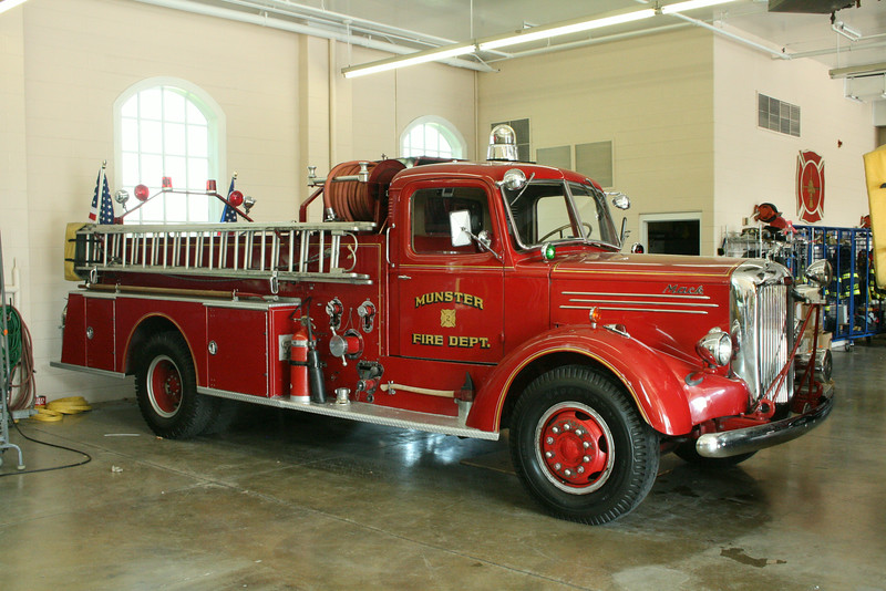 MUNSTER FD  ANTIQUE MACK