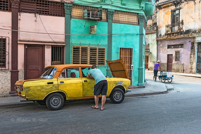 Colors of the street, engine trouble