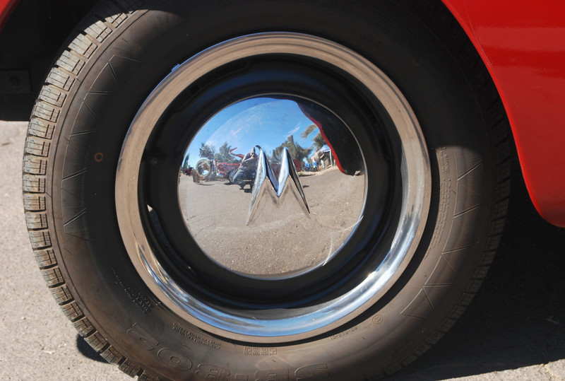 Willys 1952 Aero Ace wheel cover