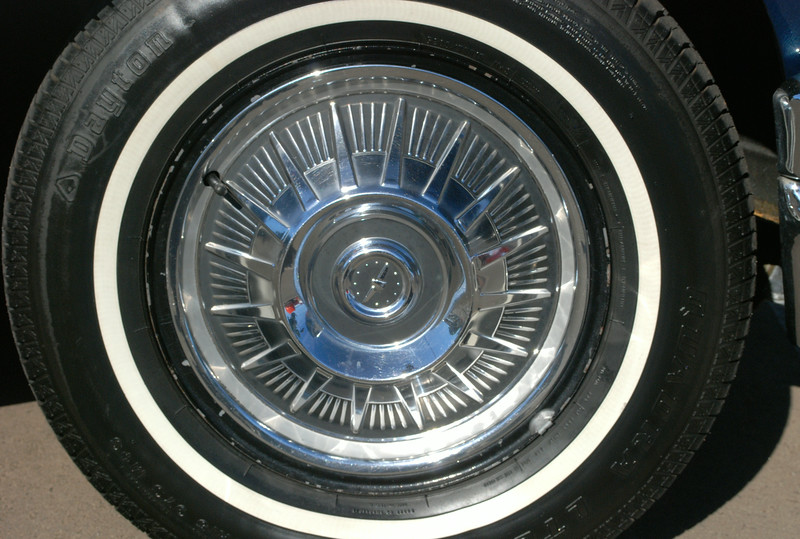 Ford 1964 Thunderbird wheel