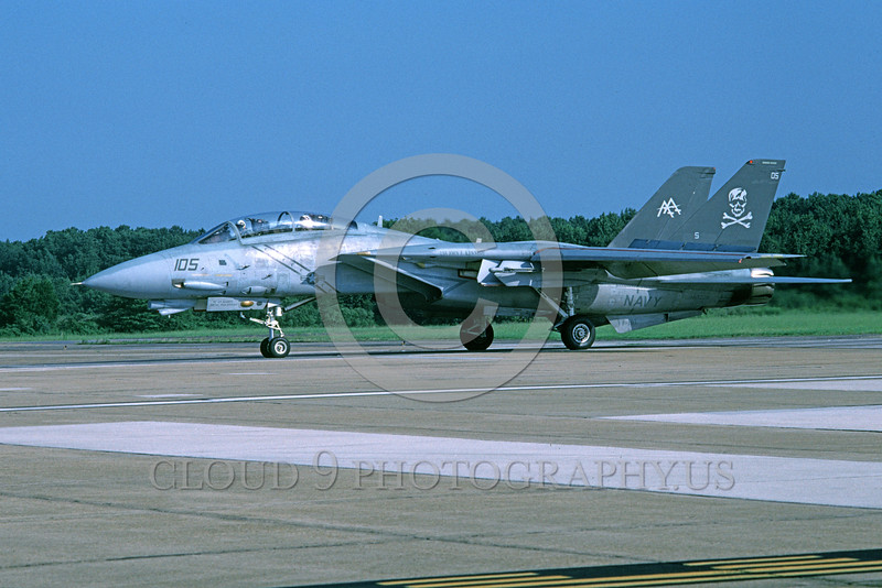 F-14USN-VF-84 0035 A taxing Grumman F-14 Tomcat USN 163229 VF-84 THE JOLLY ROGERS USS John F Kennedy NAS Oceana 8-2003 military airplane picture by Harold Weiss