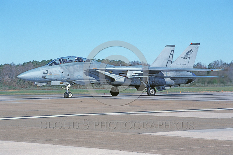 F-14USN-VF-101 0059 A taxing Grumman F-14 Tomcat USN 161440 VF-101 GRIM REAPERS NAS Oceana 11-2003 military airplane picture by Harold Weiss