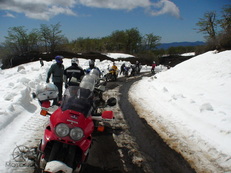 "Volcano Villarica, Chile  , <a href=""http://www.motoquesttours.com/guided-motorcycle-tour.php?patagonia-chile-argentina-tour-23"">http://www.motoquesttours.com/guided-motorcycle-tour.php?patagonia-chile-argentina-tour-23</a>"