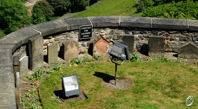 Soldiers dog graveyard Edinburgh Castle Scotland