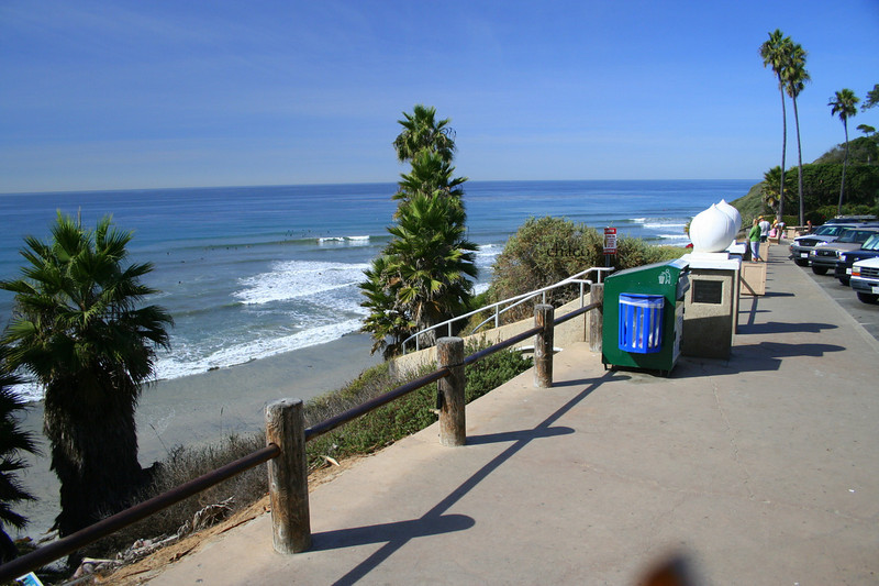 Encinitas surfing beach at Swamis