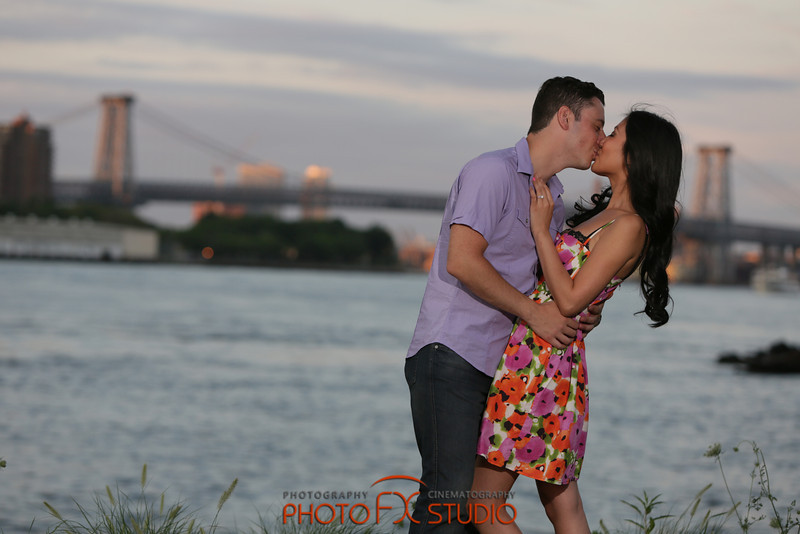 Engagement in DUMBO photo 0221 by photofxstudio