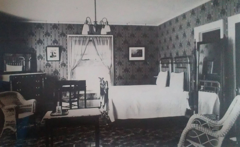 Room 217 in 1911, prior to the explosion.  The decor can be matched to the fragments of explosion debris found.