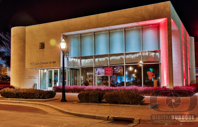 dubuque_museum_of_art_holiday