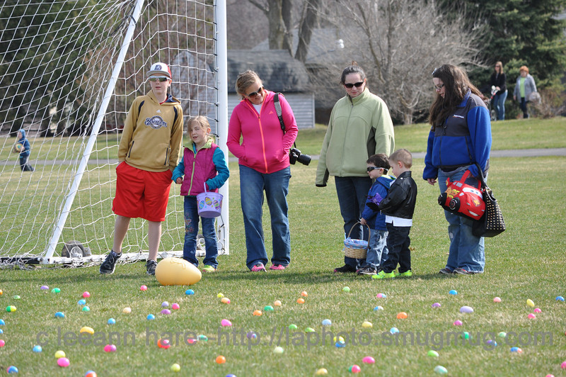 4-19-2014 macc egg hunt-042
