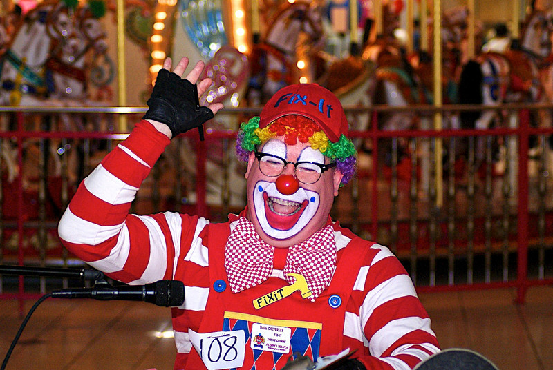 RUSSELL L. FRAYRE<br />  82611<br /> FiXiT the clown, Dave Calverly,  competes in the single clown skit competition at the Cape Cod Mall,  FiXiT performs with the Aleppo Shrine Circus which sponsored the event.
