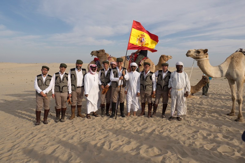 The Spanish falconers in the desert camp