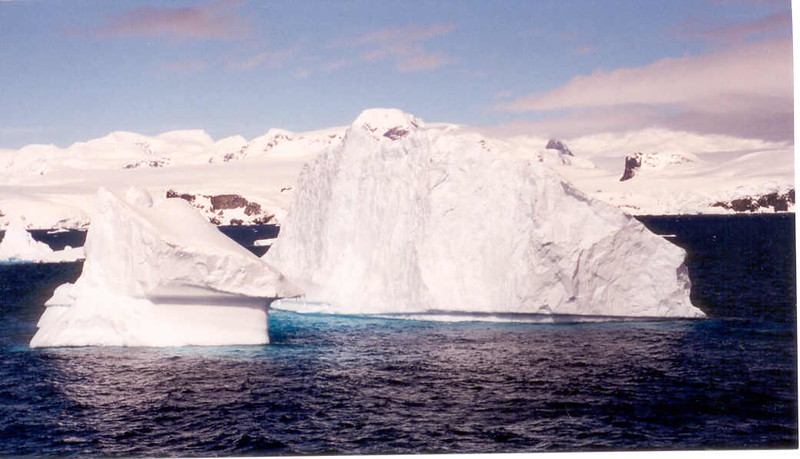 iceberg floating 5