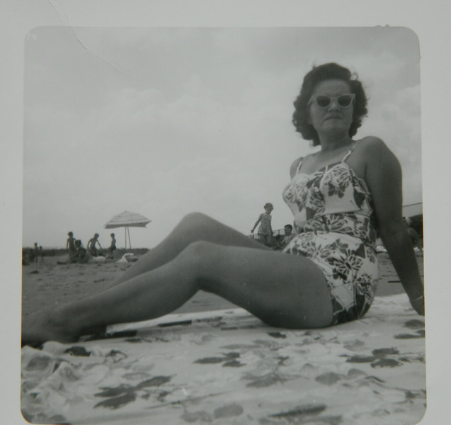 7 17 2014  Mom, 12th St beach, Chicago, about 1960 DSCN0880