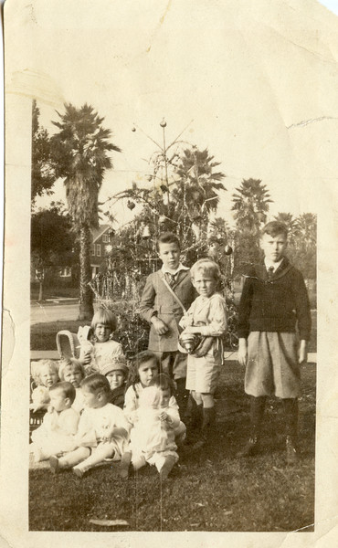 Milan Avenue, So Pas Howard, Bettie, Bob, Martha, Mary Whitney, Adrian and jean Tillotson, Jane Aldrilch, Audry, Doris Petty and her brother